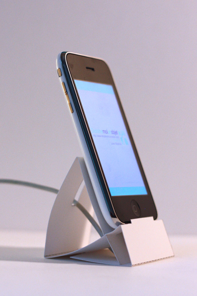 Paper iPhone Dock